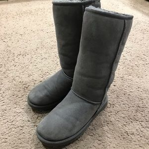 UGG tall gray boots size 6.
